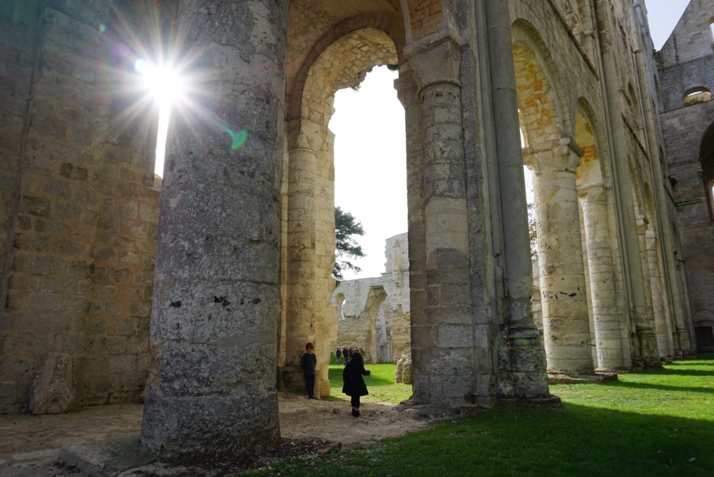 A tour of Jumièges Abbey with kids